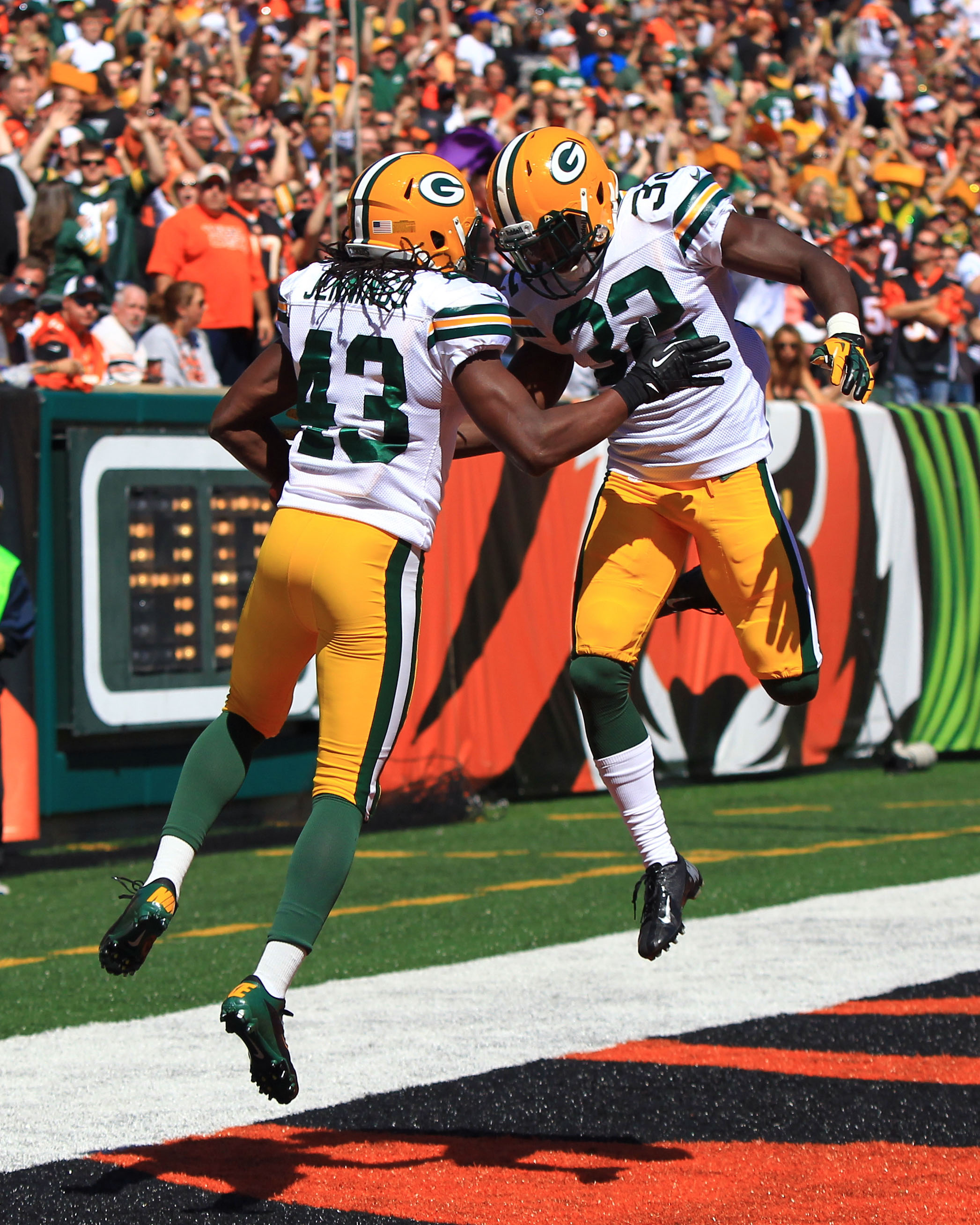 packers celebrate touchdown